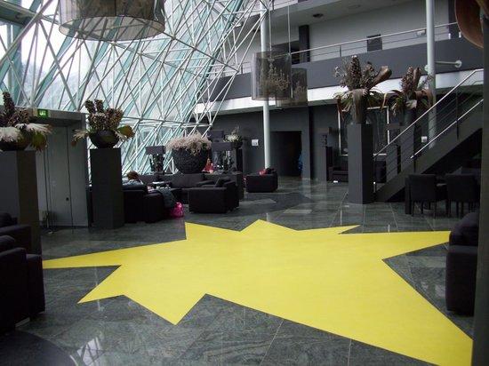 Hampshire Hotel - Plaza Groningen: Lobbyn