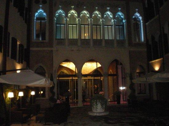 SINA Centurion Palace: Evening View