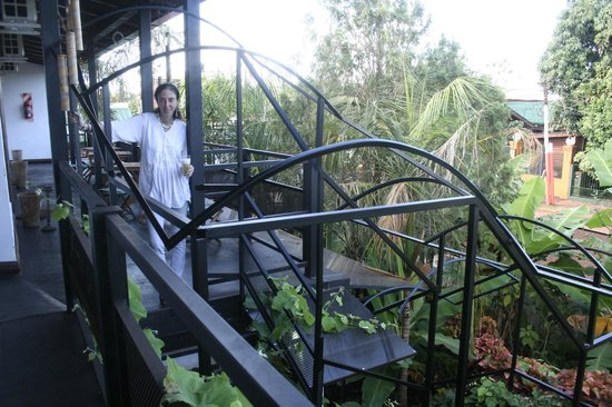 Petit Hotel Si Mi Capitan: escaleras para ir a la habitación