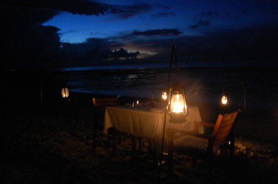 Azura Benguerra Island: Last night supper on the beach