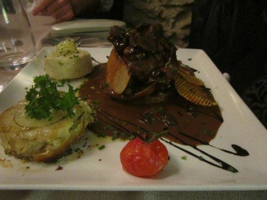 Restaurant Le 7e : tournedos de canard façon rossini