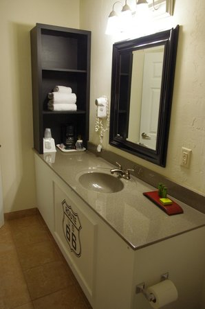 Route 66 Hotel And Conference Center: Salle de bain