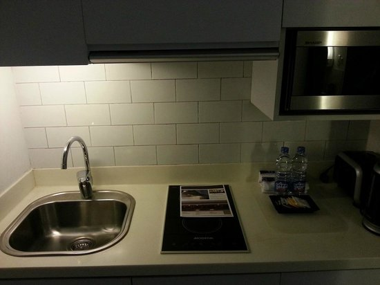 Morrissey Hotel Residences: Fully Stocked Kitchenette