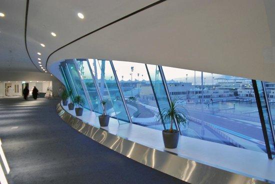 Yas Viceroy Abu Dhabi: THE BRIDGE