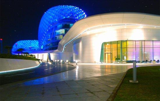 Yas Viceroy Abu Dhabi: NIGHT FRONT