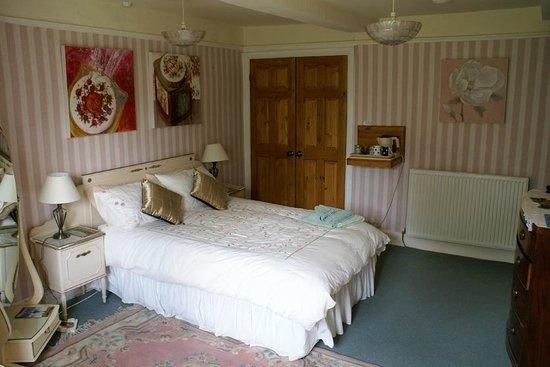 Haselor Farm Bed & Breakfast