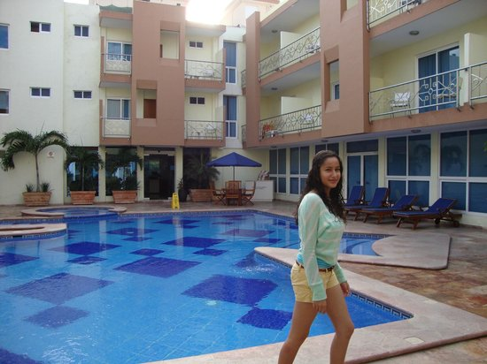 Quality Inn Mazatlan: La pisina