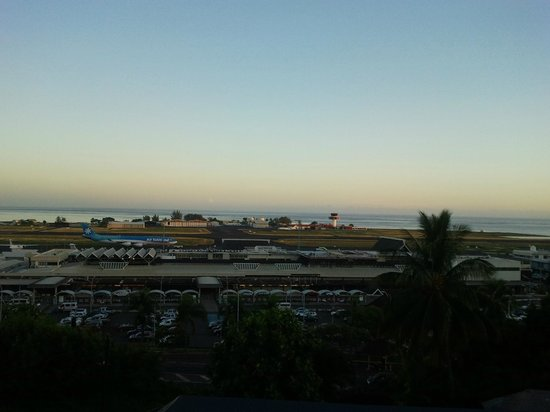 Vue de la chambre photo de tahiti airport motel faa 39 a for Motel pas chere