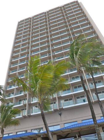 San Juan Marriott Resort & Stellaris Casino : Marriott building, looking up from beach