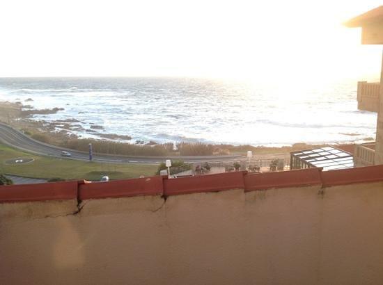 هوتل تالاسو أطلانتيكو: Vista desde habitacion abuardillada