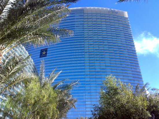 ARIA Resort & Casino : Esterno dell'hotel