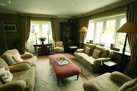 Romantik Manoir Carpe Diem: Our nice and quite sitting area