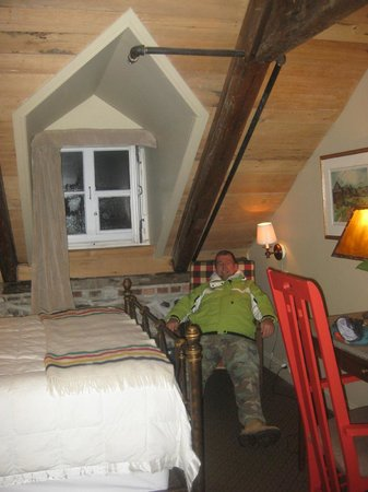 Auberge Place D'Armes: Room 31, Deluxe Attic Room