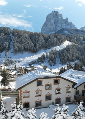 RESIDENCE PANAVAL (Val Gardena, Italy) - Apartment Reviews, Photos, Rate  Comparison - TripAdvisor fcd933527648