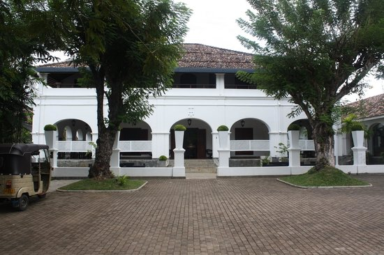 Tamarind Hill: The Entrance to Hotel