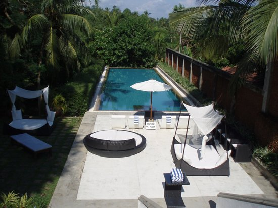 Tamarind Hill by Asia Leisure: Pool taken from the outdoor lounge area