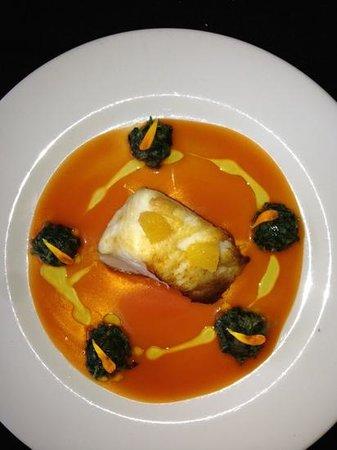 Kalma Restó: Seabass with tomato salsa