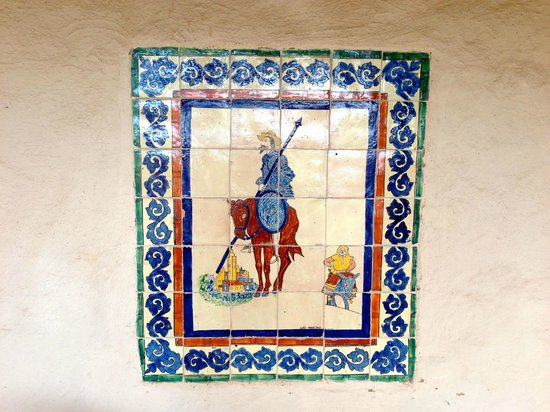 Mabel Dodge Luhan House: Don Quixote mosaic next to the front door.