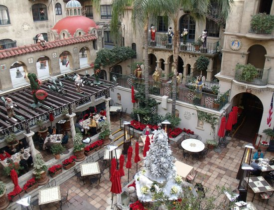 The Mission Inn Hotel and Spa: The Spanish Courtyard in December