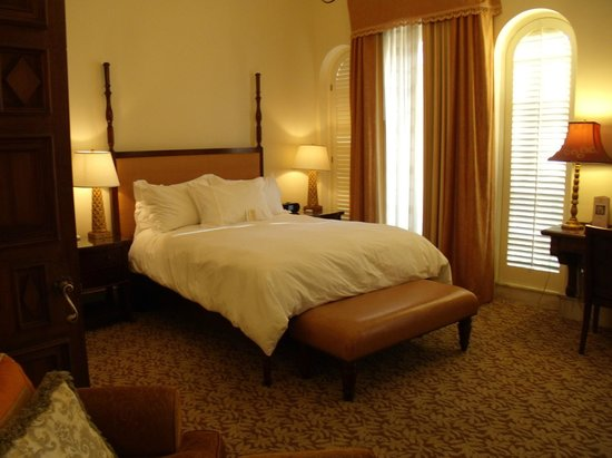 The Mission Inn Hotel and Spa: A Raincross room