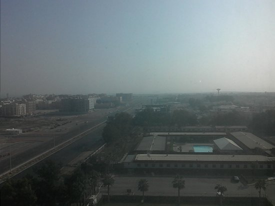 Sheraton Dammam Hotel & Convention Centre : The mile away sea view ! !