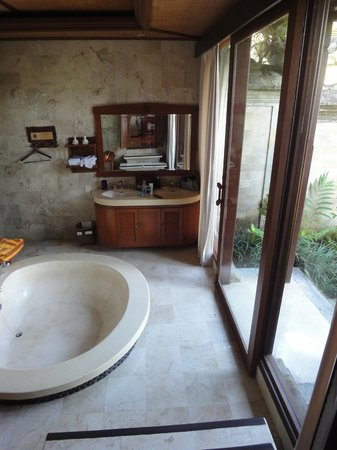 The Royal Pita Maha: Salle de bain 111