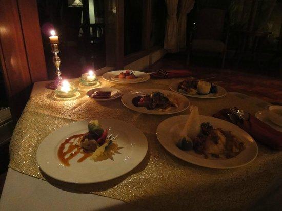 โรงแรมรอยัล ปิตา มาฮา: Repas dans la villa