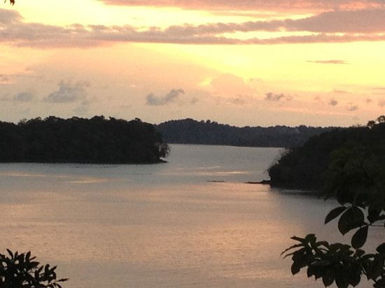 Hotel Boca Brava: Sunset from high point on island looking at Golgi de Chiriqui