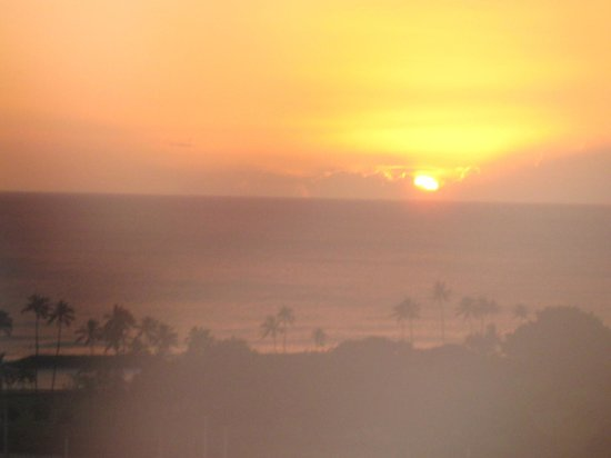 Hawaii Prince Hotel Waikiki: Sunset from our room