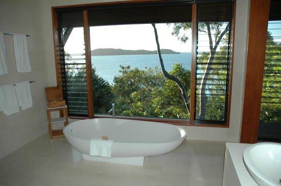 Qualia Resort: View from bathtub