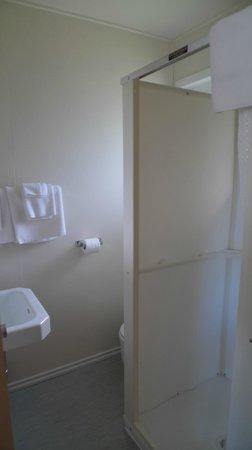 North Star Motel - Mayo: Bathroom