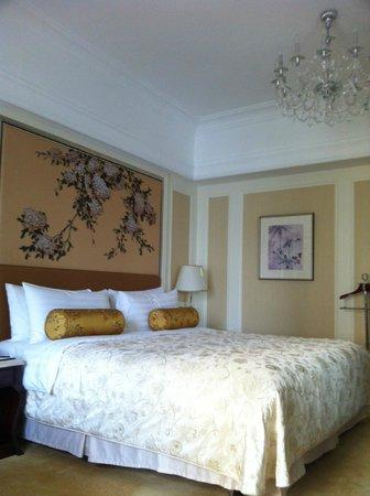 Pudong Shangri-La, East Shanghai: Standard Room
