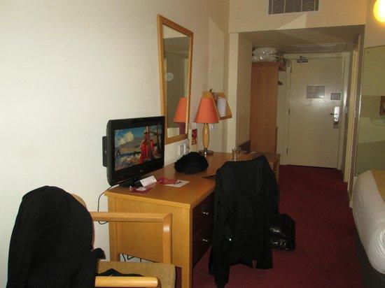 Jurys Inn Liverpool: our room