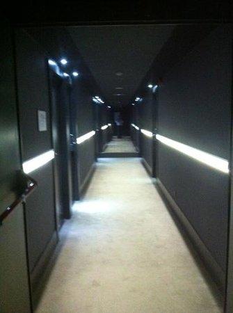 Hotel Zenit Abeba: corredores acesso aos quartos