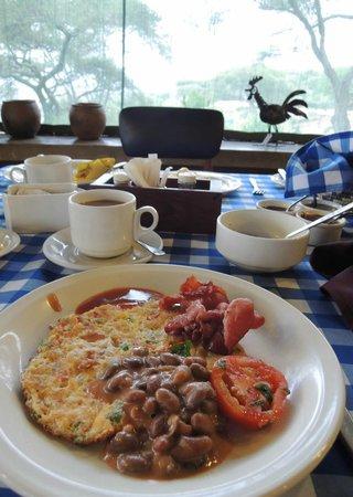 Tarangire Safari Lodge : Breakfast