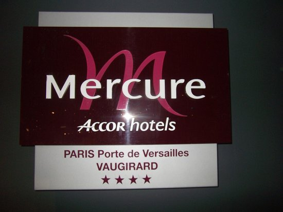 Mercure Paris Vaugirard Porte de Versailles Hotel: logo all'ingresso