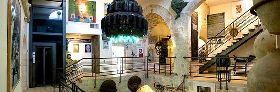 Jaffa, Israël : Upper Level Passage - Ilana Goor Museum
