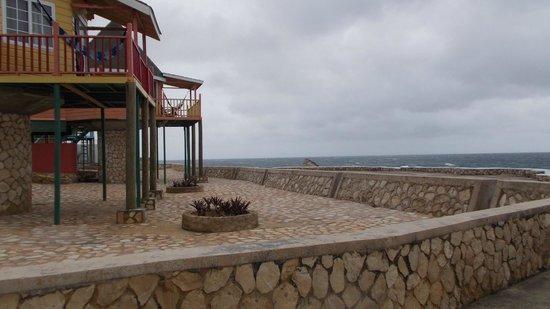 Samsara Cliffs Resort : View from bar area