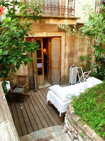 Oyster Residences: Our garden terrace room