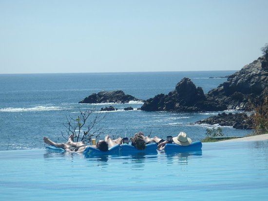 Secrets Huatulco Resort & Spa: This is the life!