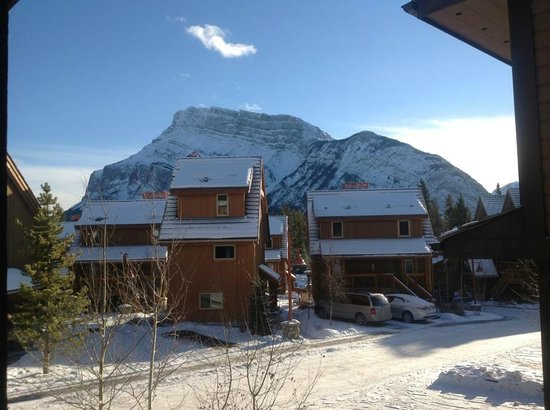 Hidden Ridge Resort: This is the view from our front door: more suits with Rundle Mountain in behind.