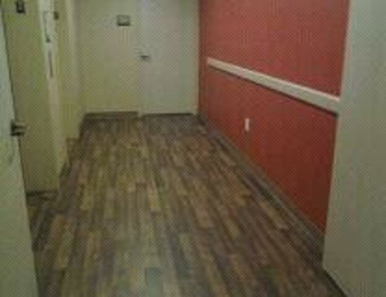 Extended Stay America - Meadowlands - East Rutherford: Elevator