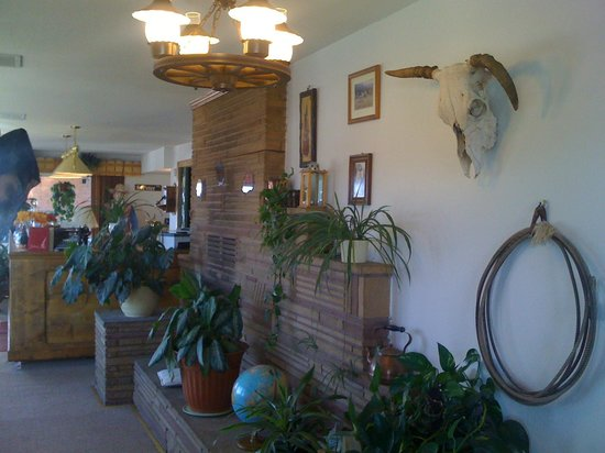 Lobby of the Globetrotter Lodge