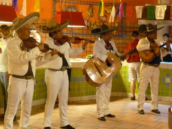 Royal Decameron Complex: Mexican fiesta