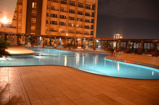 InterContinental Cairo Semiramis: Swimming Pool