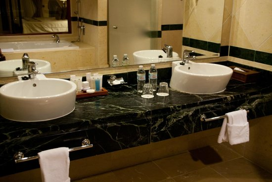Luxury Bahia Principe Cayo Levantado Don Pablo Collection: Bathroom in room 6104 (villa 6)