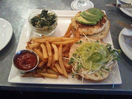 Benjy's on Washington: Shrimp burger