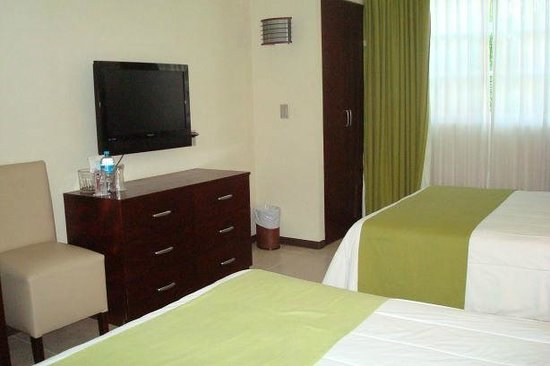 Ocean View Hotel: Room