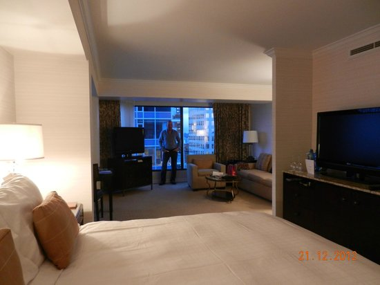 Four Seasons Hotel Vancouver: corner suite four seasons vancover room 2503