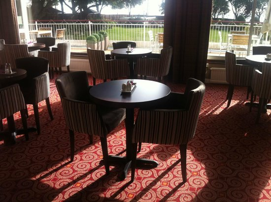 The Savoy Hotel: My regular spot to enjoy a spot of lunch (Garden Terrace bar)